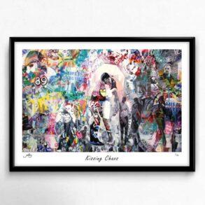 farverig kunstplakat med kyssende par